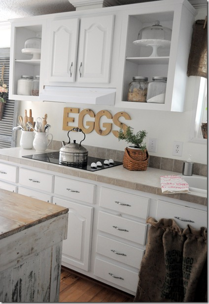 kitchen eggs sign