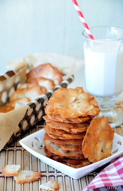 Almond Cookie Crisps