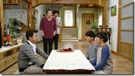 What.Happens.to.My.Family.E15.mp4_00[132]