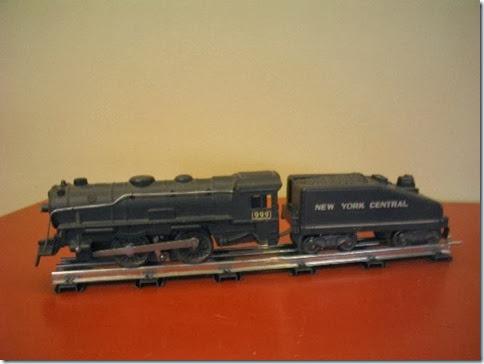 Marx #999 Locomotive with 8-Wheel Plastic Slope-Back Tender