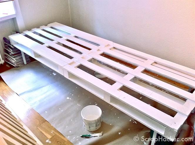 schicke und un bliche bettrahmen ideen auch zum selber bauen. Black Bedroom Furniture Sets. Home Design Ideas
