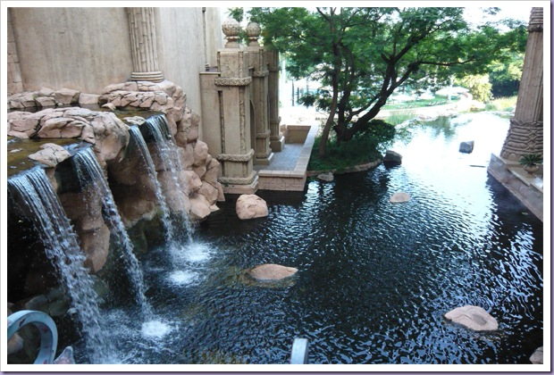 The-Palace-of-the-Lost-City-Sun-City-África-do-Sul-Cachoeira-Lago