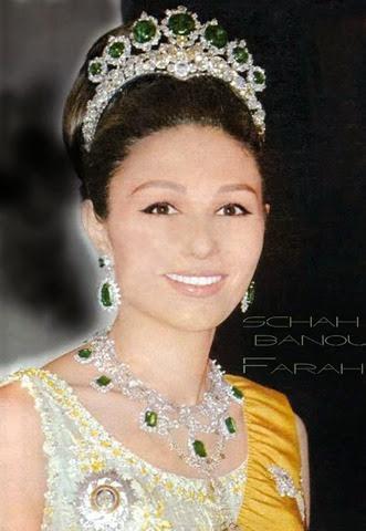 Farah Diba y la tiara de esmeralda y brillantes