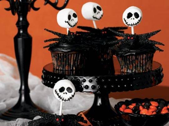 skeleton-cupcakes_456X342[1]