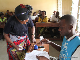 Dbut de vote le 28/11/2011  Kinshasa, pour les lections de 2011 en RDC. Radio Okapi/ Ph. John Bompengo