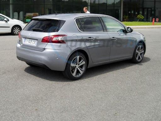 2014-Peugeot-308-7.jpg