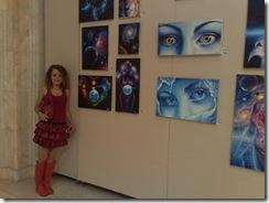 Artista Corina Chirila la expozitia de tablouri de vis de la Palatul Parlamentului