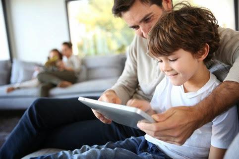 Cómo elegir el mejor regalo para un papá tecnológico y moderno