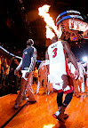 lebron james nba 130104 mia vs chi 03 King James Debuts LBJ X Portland PE But Ends Scoring Streak