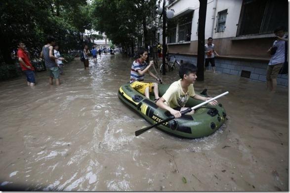 happy-flood-people-33