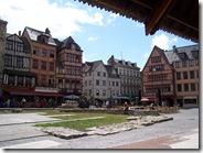 2011.07.08-006 maisons place du Vieux-Marché