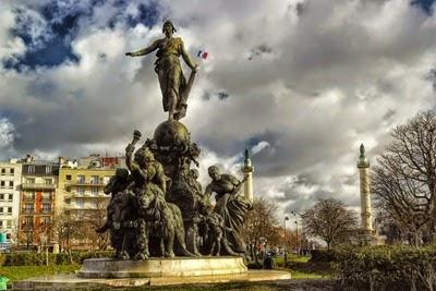 A estátua da Place de la Nation