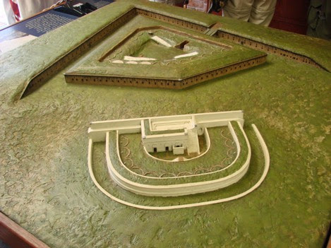 fort_barrancas_model.JPG-2014-12-16-20-54.jpg