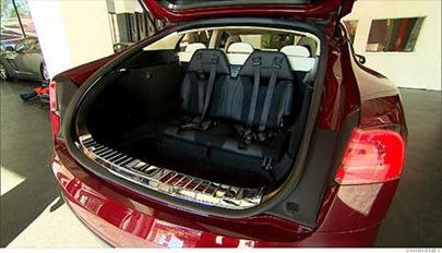 tesla_model_s_back_seat