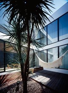 casas-diseño-exterior-pisos-tablones-de-madera