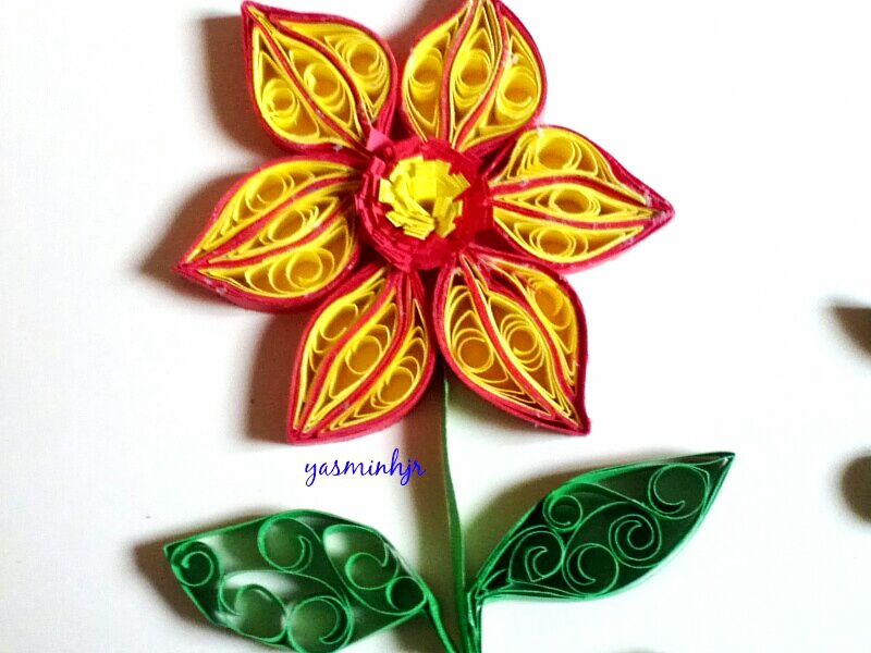 Art craft yasminhjr quilling flower for Art and craft flowers