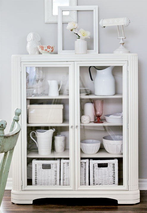interiors-vintage-whites-cabinet