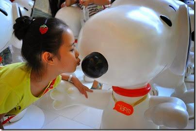 Snoopy Shanghai IAPM 02 (via Chinadaily)