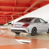 2014-Mercedes-CLA-38.jpg