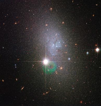 galáxia DDO 82