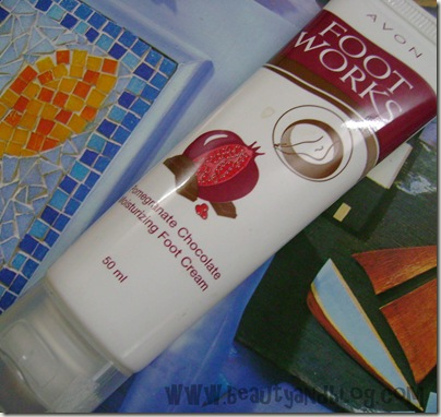 Avon Footworks Pomegranate & Chocolate Foot Cream Review