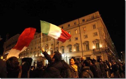 Quirinale. Folla per dimissioni di Berlusconi. Palazzo Chigi