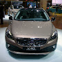 2013-Volvo-V40-Cross-Country-6.jpg