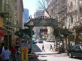 360 - Puerta de Chinatown.JPG