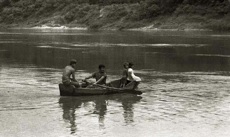 559  cruzando el río