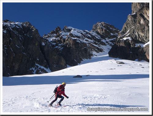 Circo Sur del Midi d'Ossau con esquis (Portalet, Pirineo Frances) (Isra) 7751