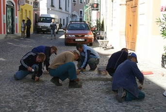 workers in the village of Szentendre