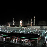 madinah-saudi-arabia-prophet-mosque-night.jpg