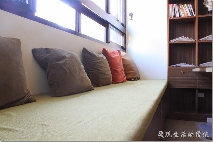 台南-L B_Coffee綠色咖啡廳。三樓空中花園另一側的空間。