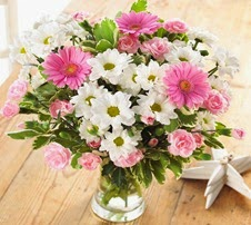 Mothers Day Flowers with Free Delivery - Pretty in Pink Bouquet