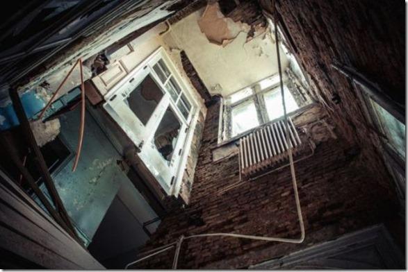 abandoned-castle-belguim-14