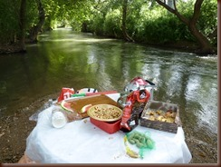 Coffee,snak -Snir River in Golan Hieghts