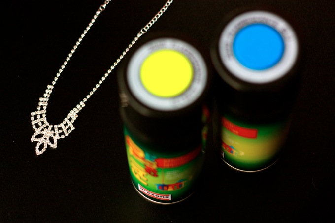 DIY neon, fluo necklace