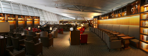 We had to share the huge Asiana business class lounge with one other passenger.