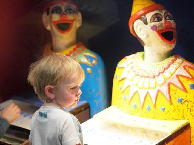 virtù - ode loved the clowns