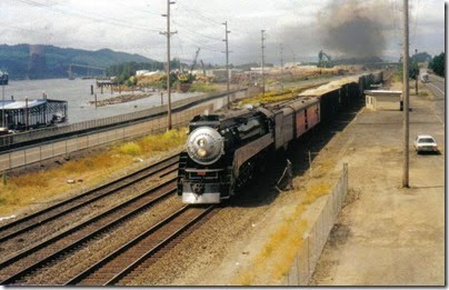 4449 at Kalama in June 2000