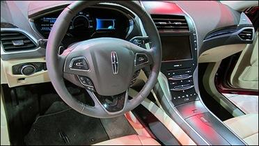 Lincoln-MKZ-2012_i02