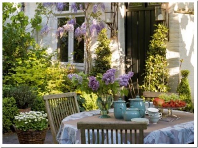 Le-salon-de-jardin-pres-de-la-cabane_carrousel_gallery