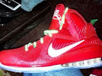nike lebron 9 gr christmas 1 01 Throwback Thursday: Look Back at LBJs 2011 Christmas Shoes