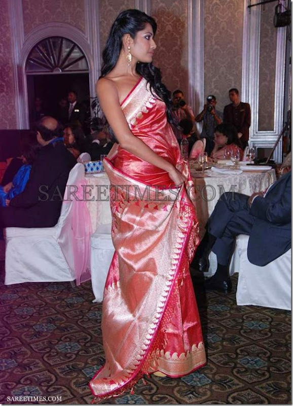 Red_Zoya_Benarasi_Saree