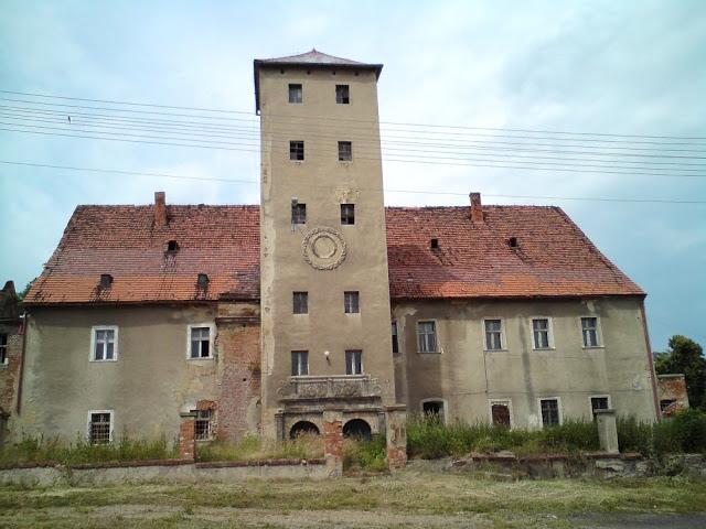 13 Siemisławice pałac.jpg