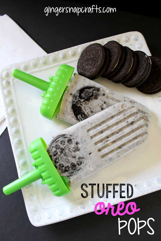 Stuffed Oreo Pops by GingerSnapCrafts.com #popsicle #recipe