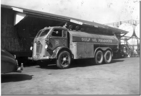 BingWeibelwith1946AutocarTankeratGulfOil