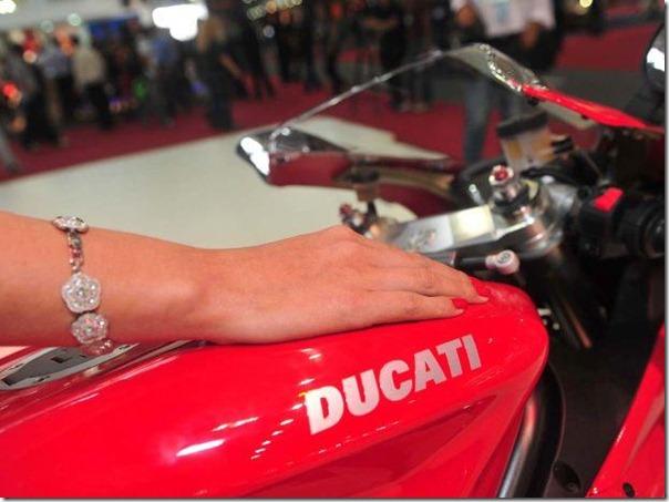 Ducati 1198 (1)