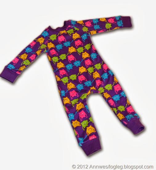 Pysjamas sydd etter mønster på heildress i boka Sy glade klær til glade barn av Heilt spesiell og Jubel/ Kristin Thorsnes og Ane Sund