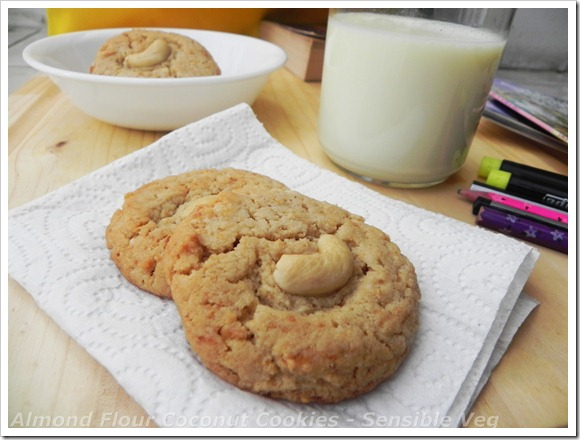 almondflourcoconutcookies1